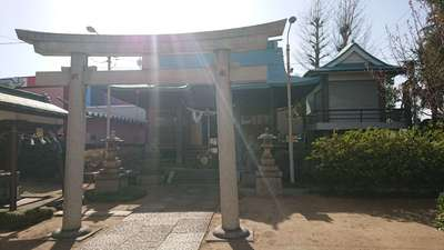 西新井氷川神社の鳥居