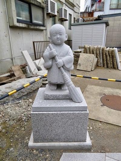 東京都圓通寺の像