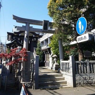 東京都神楽坂若宮八幡神社の鳥居