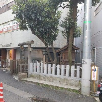 靖国神社の近くの神社お寺|桐生稲荷神社