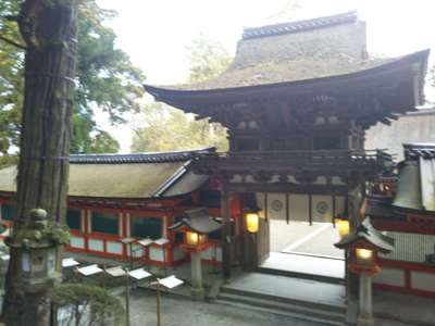 石上神宮の山門