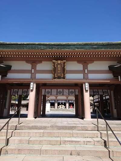 鹿児島県照國神社の山門