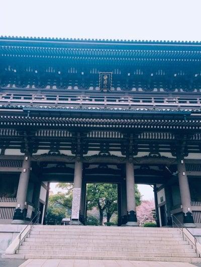 神奈川県総持寺の山門