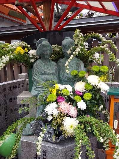 露天神社の像