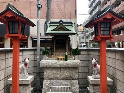 橘稲荷神社の本殿