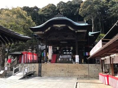 由加山 由加神社本宮の本殿
