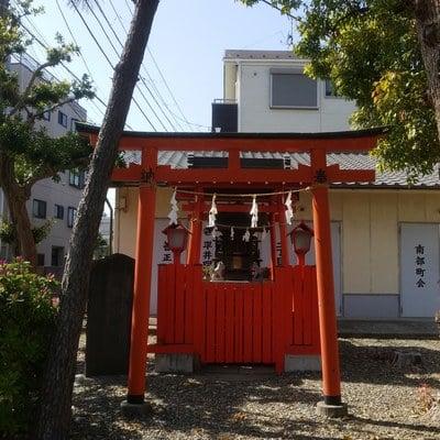 東京都白髭神社の鳥居