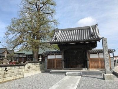 栃木県普門寺の山門