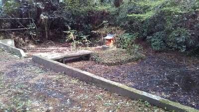 風隼神社の庭園