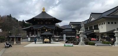 宮城県西方寺の本殿