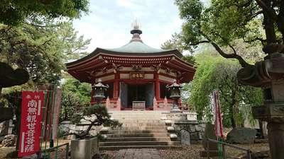 東京都長命寺の本殿