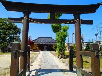 埼玉県牛島 女體神社の鳥居
