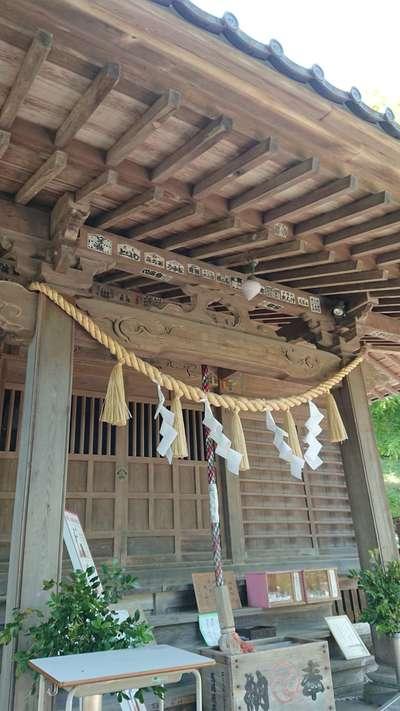 東京都高尾山麓氷川神社の本殿