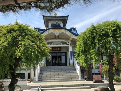 信松院の本殿