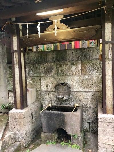 稲荷神社(東京都中目黒駅) - 手水舎の写真