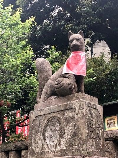 稲荷神社(東京都中目黒駅) - 狛犬の写真