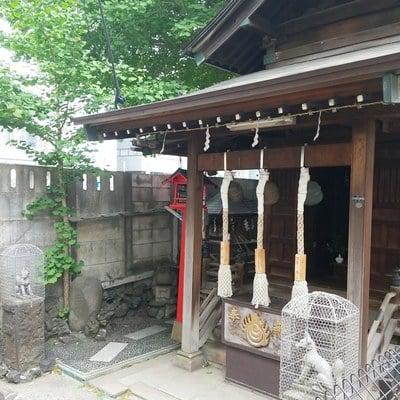 東京都雷電稲荷神社の本殿