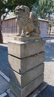 石山神社の狛犬