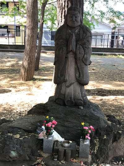 鬼子母神堂の像