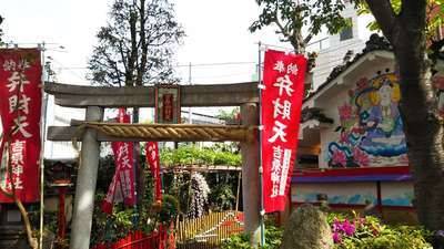 東京都吉原弁財天本宮(吉原神社奥宮)の鳥居