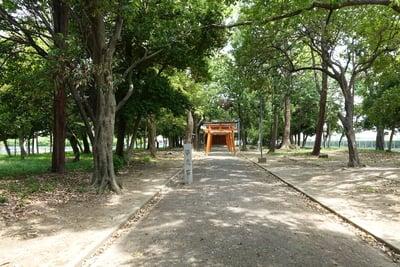 歩人山 稲荷神社の建物その他