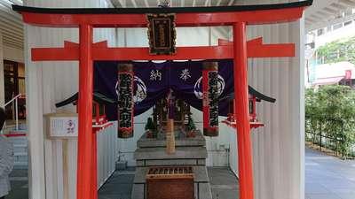 東京都歌舞伎稲荷神社の本殿
