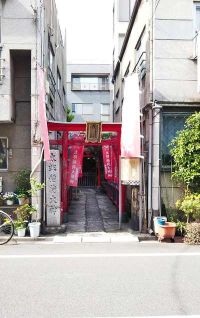 東京都太郎稲荷神社の鳥居