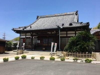 玉泉寺の本殿