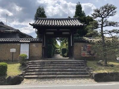 海龍王寺の山門
