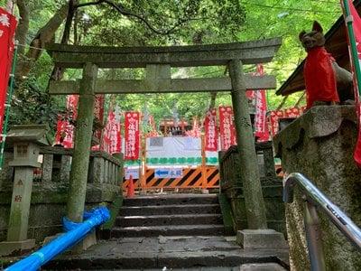 神奈川県佐助稲荷神社の鳥居