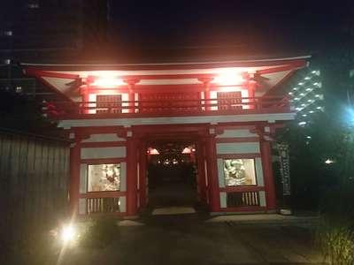 東京都成子天神社の山門