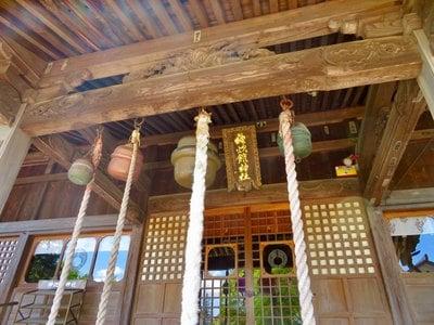 福島県神炊館神社の本殿