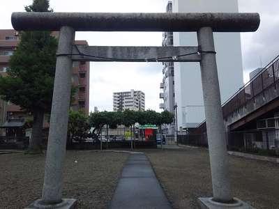 埼玉県粕壁神明社の鳥居