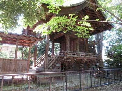 山梨県佐久神社の本殿