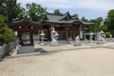 闘鶏野神社の本殿