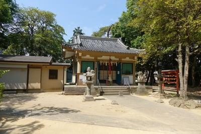 鴨神社の本殿