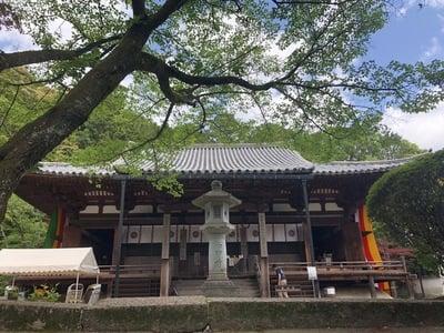 奈良県霊山寺の本殿
