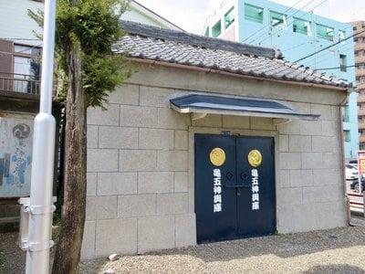 水神社の建物その他