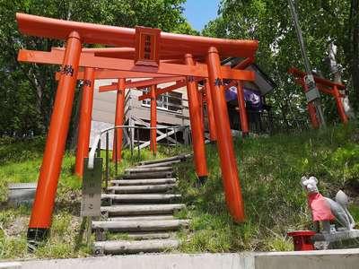 清田稲荷神社の鳥居