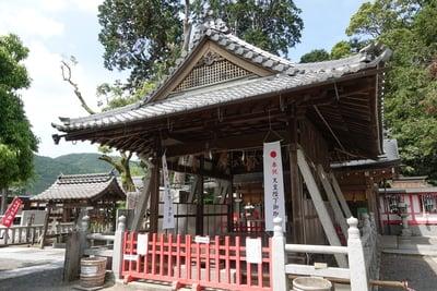 京都府稗田野神社の本殿