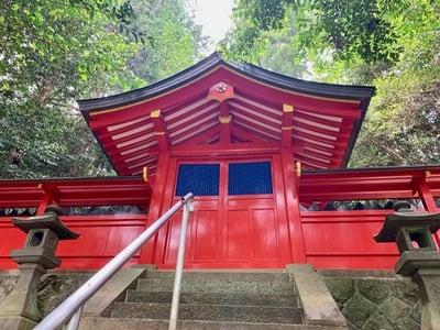 奈良県八咫烏神社の本殿