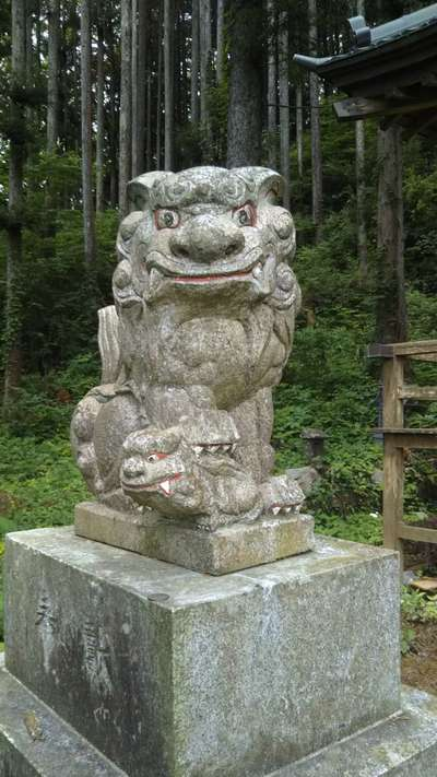 十殿神社の狛犬