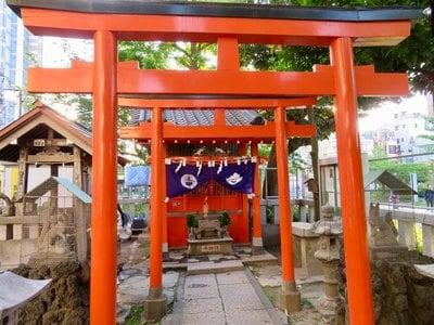 東京都千種稲荷神社の鳥居