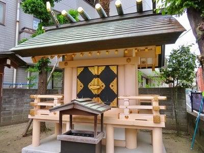 東京都椿神社の本殿