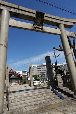 大阪府久保神社の鳥居