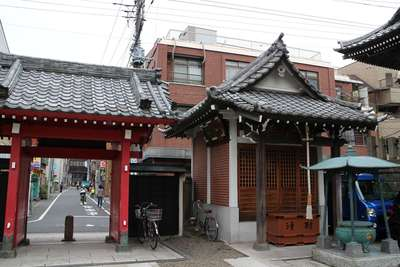 東京都勝専寺の山門