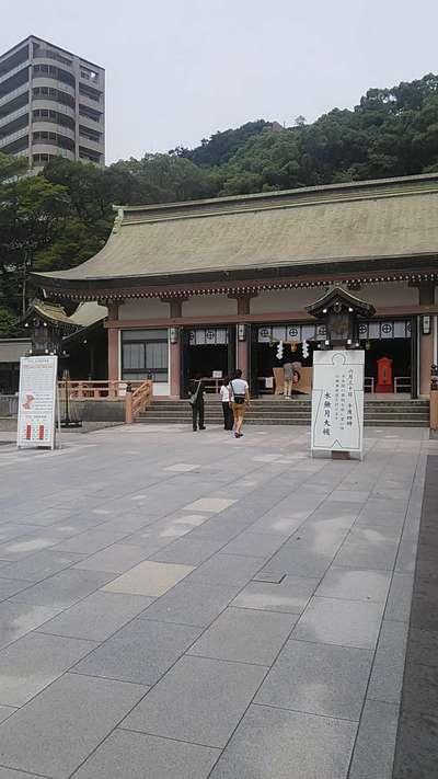 照國神社の本殿