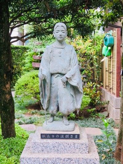 行慶寺の像