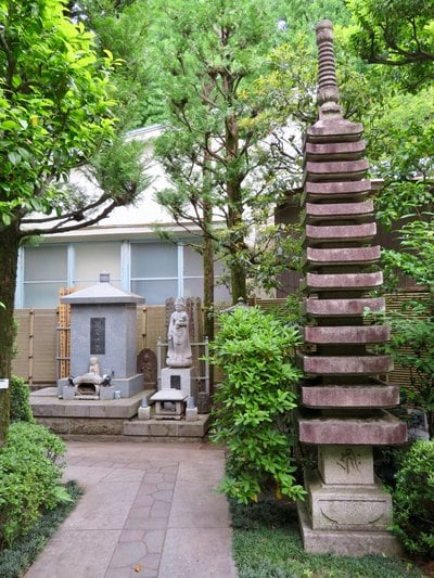 行慶寺の塔
