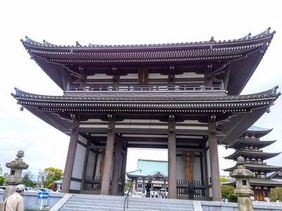 愛知県覚王山 日泰寺の山門